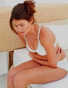 Почему возникает диарея перед месячными?
